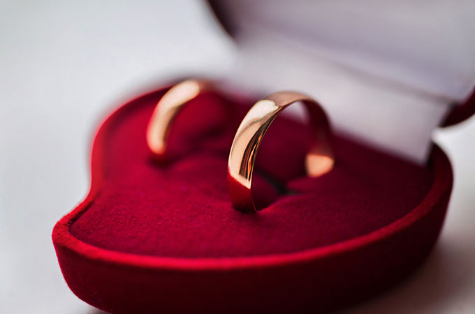 Traditional English Wedding Gifts: 17th Year Wedding Anniversary Gifts And Ideas