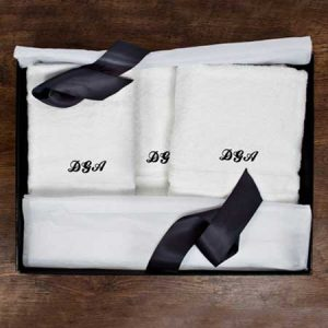 Buy a personalised prestige towel gift set.