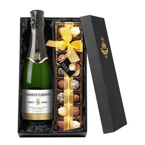 Buy her a personalised cava and chocolates for this anniversary goft.