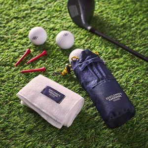 Buy him this golfer´s accessories set for the 9th anniversary gift
