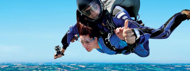 Sky diving tandem jump