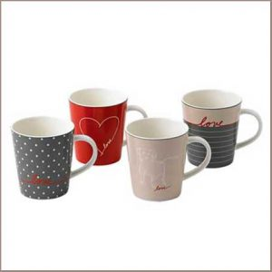 Buy her or the couple these Ed Love Signature Mug Set from Royal Doulton for this anniversary gift