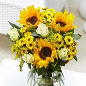 Buy your partner this Cheerful Smile bouquet of flowers for the 13th anniversary gift.