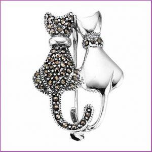 Buy her the Beginnings Sterling Silver D274 Marc Plain Double Cat Brooch for this anniversary gift