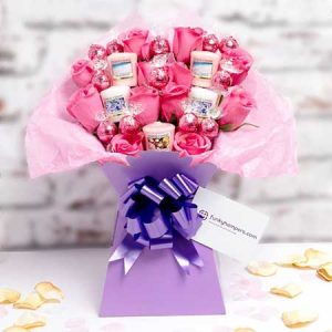 Buy her or him Yankee Candle and Pink Lindor Bouquet for this anniversary gift