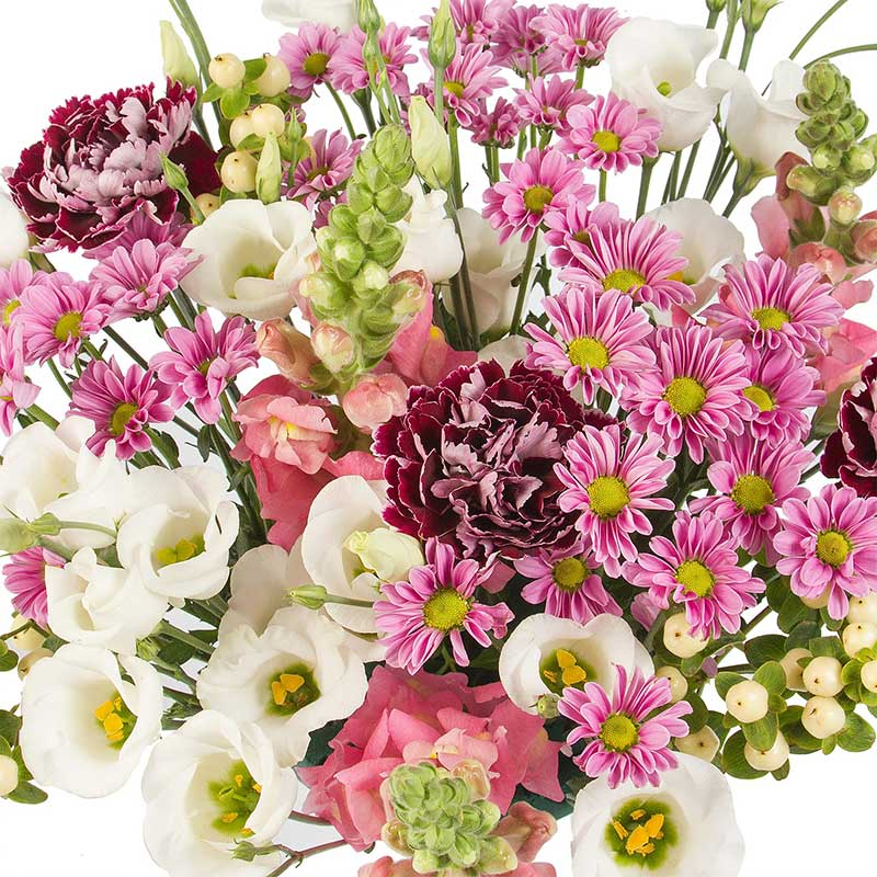 Buy her or your parents the Summer Holiday Bouquet for this anniversary gift