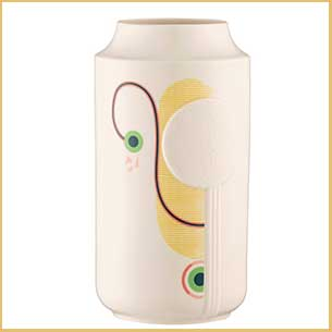Buy the Moda Vase from Belleek for this anniversary gift